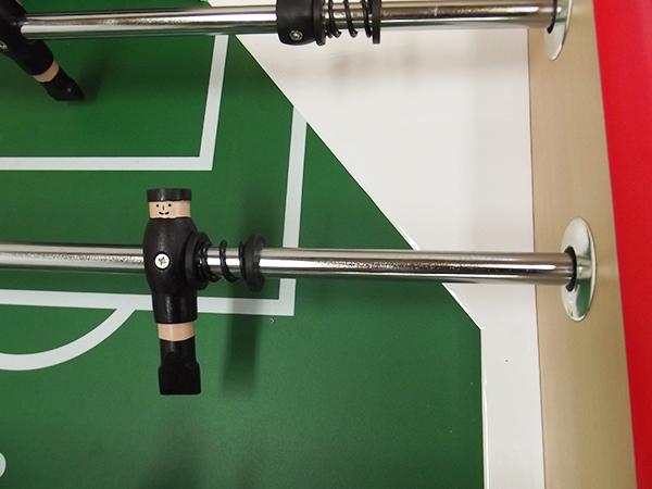 VC0580: voetbal pop hout groen en zwart 16mm #2